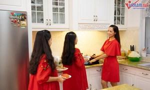 Bữa cơm tất niên giản dị trong biệt thự nửa triệu đô của gia đình Thúy Hạnh
