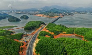 Ngắm toàn cảnh cao tốc Hạ Long - Vân Đồn 12.000 tỷ xuyên vùng Đông Bắc