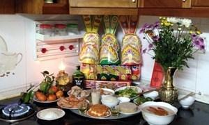 Nên cúng Táo quân ở bếp hay bàn thờ gia tiên?