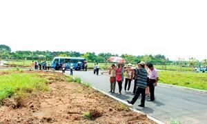 Giới đầu tư địa ốc Sài Gòn đổ về thị trường các tỉnh lân cận buôn đất nền