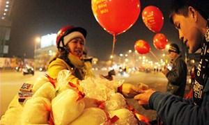 Vì sao người Việt có tục 'đầu năm mua muối, cuối năm mua vôi'?