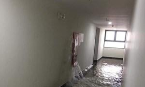 Vỡ đường ống cứu hỏa,chung cư An Bình City ngập trong 'biển nước'