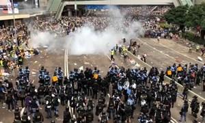 Bất chấp biểu tình lan rộng: Hải Phát Land vẫn sang đất Hong Kong để kéo khách về Tố Hữu