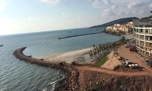 """SUN GROUP: Tập đoàn mặt trời dùng hàng ngàn m3 đất đá """"biến"""" biển thành của riêng tại Phú Quốc?"""
