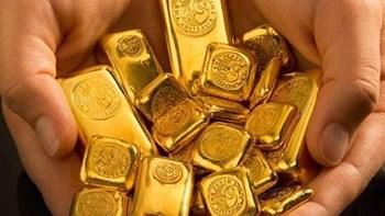 """Vàng """"ăn"""" Covid, vàng """"chén"""" đô la và """"nhậu"""" nhiều thứ nữa !"""