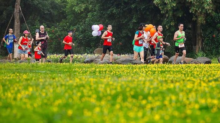 """Ecopark Marathon 2021 - Ngắm cung đường chạy giữa thiên nhiên """"siêu chất"""" trước giờ G - 1"""