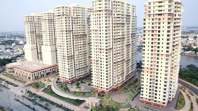 Ngân hàng rao bán loạt bất động sản ngàn tỉ - 1