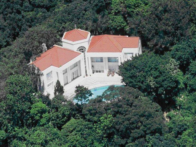 Một ngôi nhà bình thường được bán với giá... hơn 10 nghìn tỉ            - 1