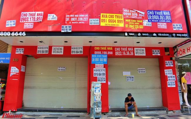 Mặt bằng kinh doanh cho thuê ở các tuyến phố lớn đìu hiu, giá thuê lao dốc vì dịch Covid-19 - 1