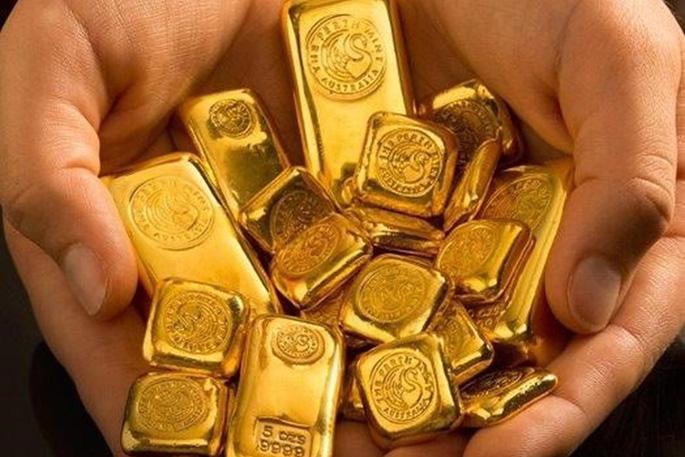"""Vàng """"ăn"""" Covid, vàng """"chén"""" đô la và """"nhậu"""" nhiều thứ nữa ! - 1"""
