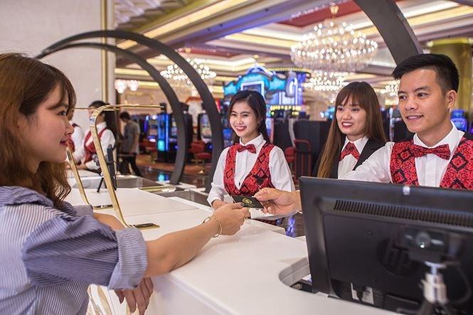 Mỗi khách hàng vào chơi sẽ phải mua vé vào cửa giá 1 triệu đồng/24h, số tiền chuyển vào ngân sách địa phương.