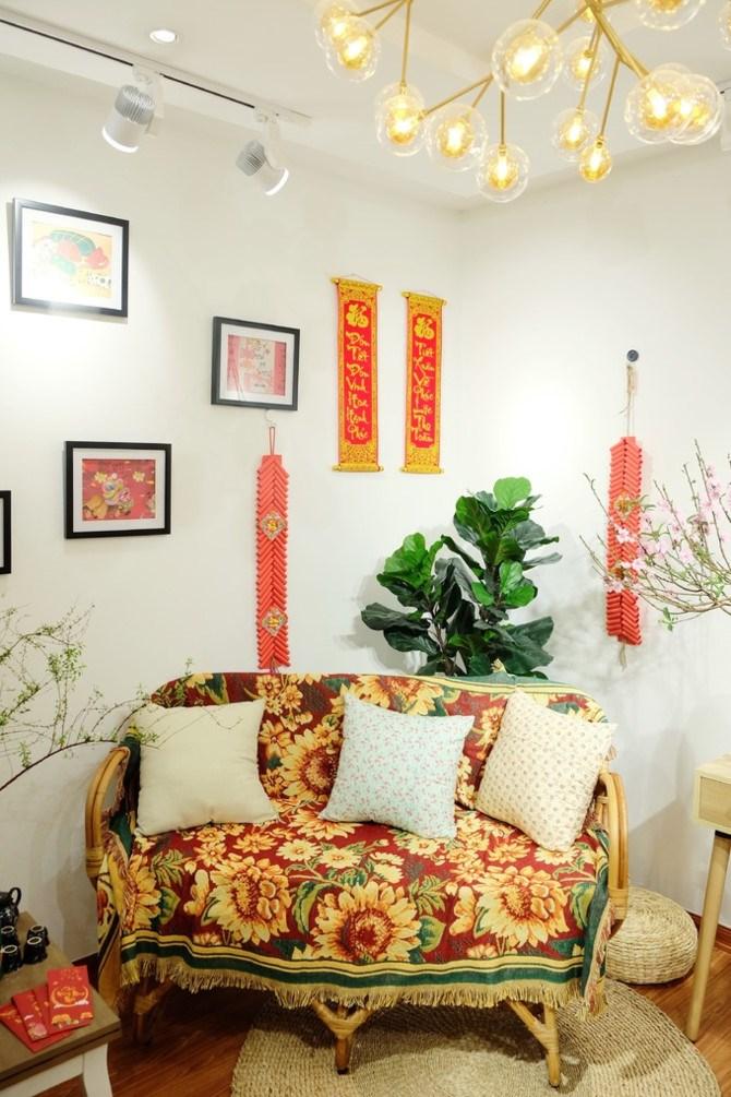 Dựa trên ý tưởng của chủ nhà, anh Nguyễn Phương Nam và các cộng sự (Studio MBN Decor, Gconcept) quyết định đóng mới gần như toàn bộ nội thất, khiến ngôi nhà như có một sức sống mới, tươi trẻ, hiện đại hơn so với vẻ trầm buồn truyền thống.
