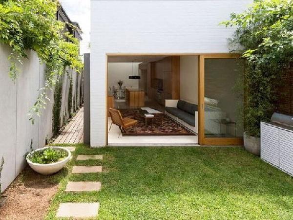 Mẫu số 15: Mẫu nhà cấp 4 có không gian mở với cửa kính lùa kết hợp phong cách nội thất hiện đại. Mẫu nhà này phù hợp với người độc thân hoặc những đôi vợ chồng trẻ.