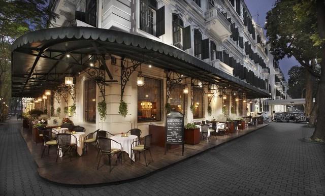Khách sạn Sofitel Metropole Hà Nội được biết đến là một khách sạn 5 sao nổi bật với lối kiến trúc cổ kính của thời Pháp thuộc được xây dựng từ năm 1901 tại vị trí trung tâm trên con phố Ngô Quyền (Hà Nội).