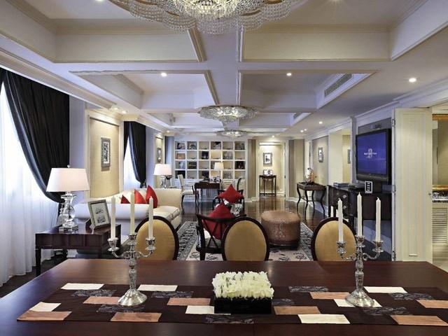 Căn phòng sang trọng nhất của khách sạn là Grand Prestige Suite, hay còn gọi là phòng tổng thống của Sofitel Metropole.