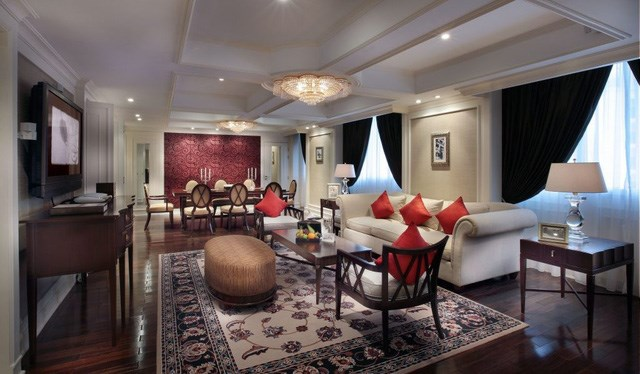 Bên cạnh đó, Grand Prestige Suite còn có sảnh chờ tiện nghi, khu vực văn phòng cũng như phòng spa riêng biệt và phòng ăn cho 8 người.