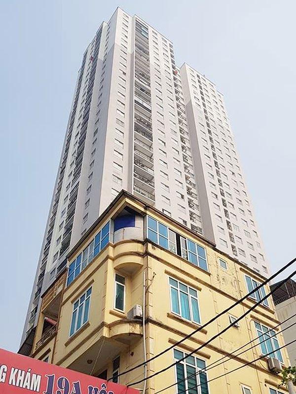 Cư dân phản ánh chung cư 89 Phùng Hưng còn nhiều tồn tại, bất cập. Đây là tòa nhà không có khả năng khắc phục hệ thống PCCC theo tiêu chuẩn hiện hành. Ảnh: Ninh Phan.
