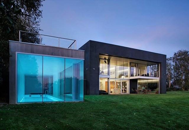 Ngôi nhà an toàn, Ba Lan. Ngôi nhà bê tông hai tầng được xây dựng để đảm bảo an ninh tối đa với các bức tường di động.