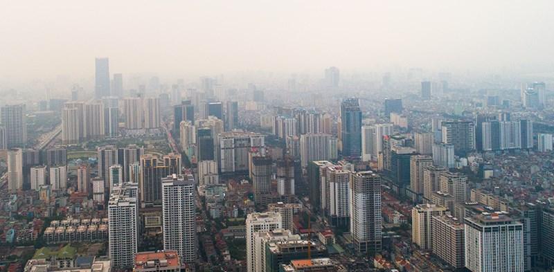 Mới đây, Nghị quyết 12 của Chính phủ yêu cầu UBND các thành phố, trong đó có Hà Nội, chỉ phê duyệt đầu tư các khu chung cư, nhà cao tầng, trung tâm thương mại khi phù hợp với quy hoạch, đáp ứng yêu cầu và quy định về bãi đỗ xe, hạ tầng giao thông và kết nối giao thông với các trục đường chính trong đô thị. Mục tiêu của yêu cầu này là giảm áp lực giao thông ở các tuyến đường lớn tại đô thị.