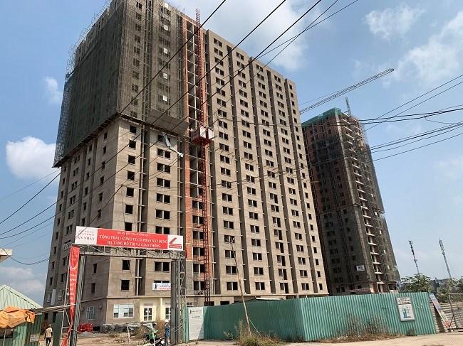 Dự án khu nhà ở Vĩnh Lộc A nằm trong gia đoạn 1 của tổng dự án khu căn hộ Vĩnh Lộc với tổng diện tích 4.5ha, bao gồm 85 nhà phố liền kề và 2 Block căn hộ 1344 chung cư với tổng số vốn đầu tư trên 611 tỷ đồng, dự án do Công ty CP Đầu tư và Phát triển An Nhân làm chủ đầu tư.
