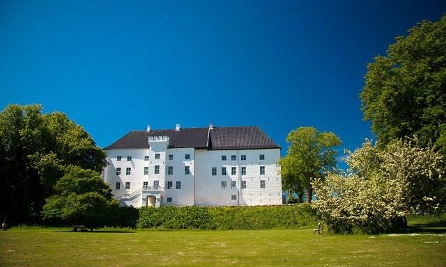 Lâu đài Dragsholm, tòa nhà lâu đời nhất Đan Mạch.