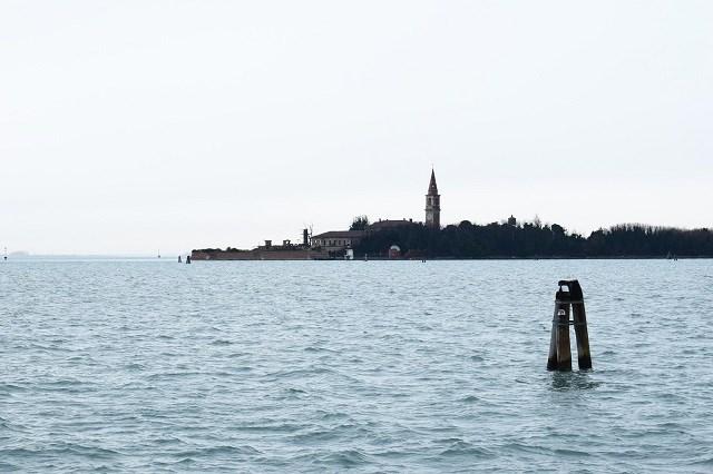 Đảo Poveglia, Italy đang bị bỏ hoang.