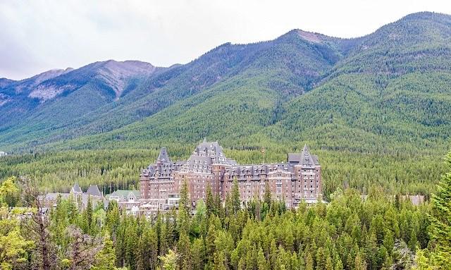 Banff Springs trở thành chuỗi khách sạn hạng sang.