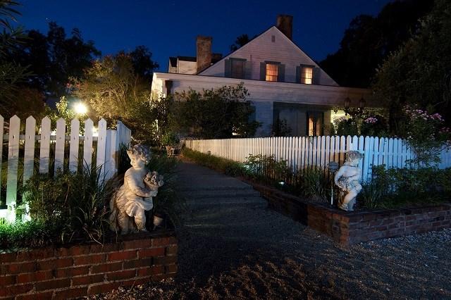 Lối vào biệt thự ngôi nhà trong đồn điền Myrtle.