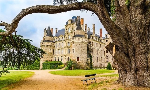 Lâu đài Brissac hiện trở thành khách sạn.