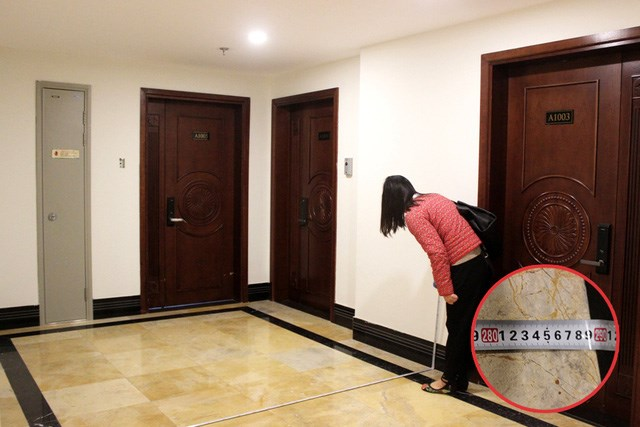 Riêng hành lang dẫn vào căn hộ thậm chí còn rộng đến gần 3m – là một trong những hành lang hiếm hoi, rộng vào loại bậc nhất trong số các tòa chung cư ở Hà Nội hiện nay.