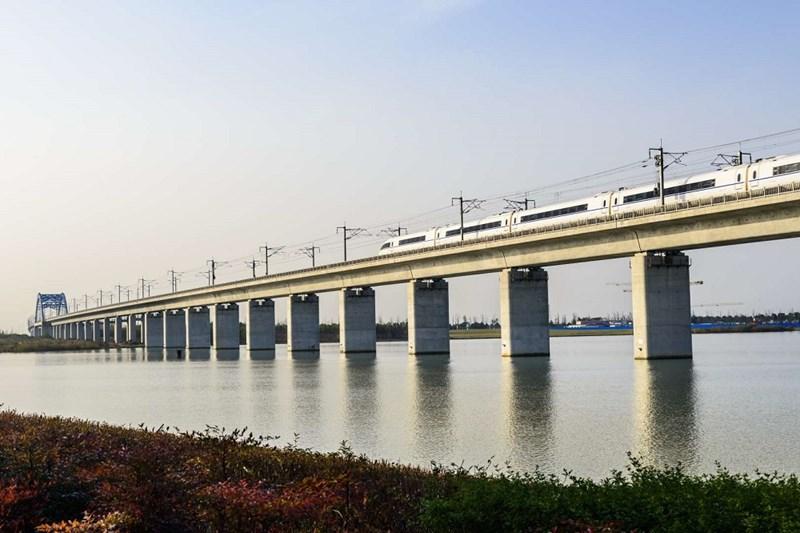 Cây cầu dài nhất - Cầu Đan Dương, Côn Sơn tại Trung Quốc, dài 164km