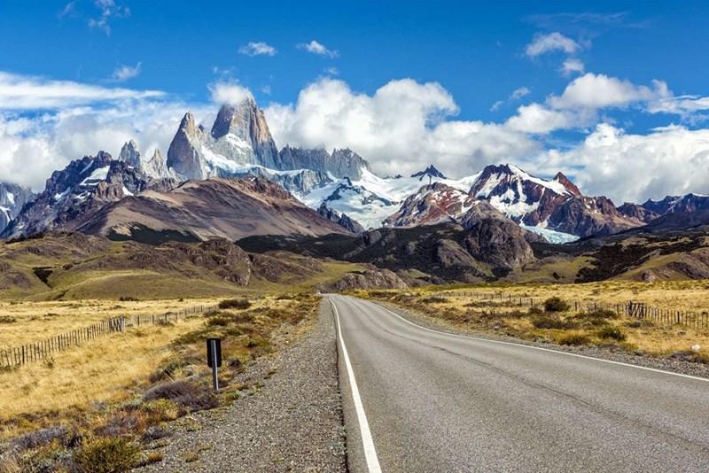 Dãy núi lục địa dài nhất - Andes tại Nam Mỹ, 7600km