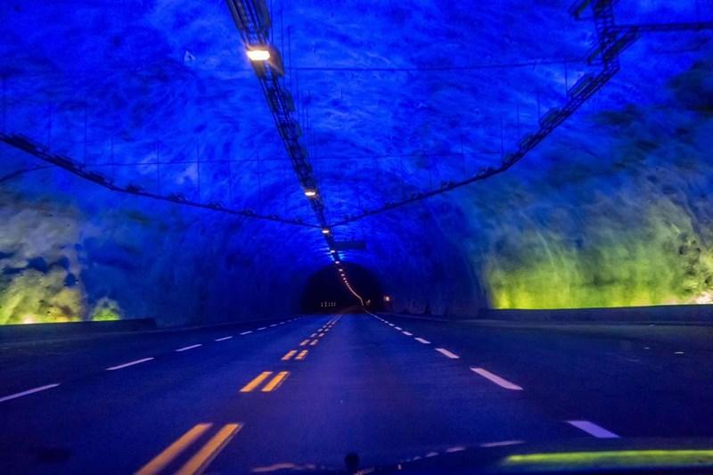 Hầm đường bộ dài nhất Thế giới - Laerdalstunnelen tại Nauy, 24.5km