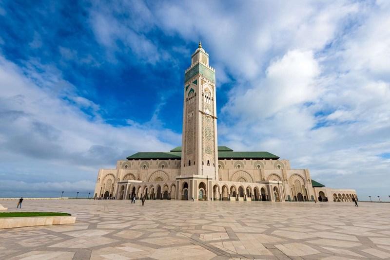 Tháp cao nhất thế giới - Nhà thờ Hồi giáo Hassan II tại Casablanca, Morocco, cao 200m
