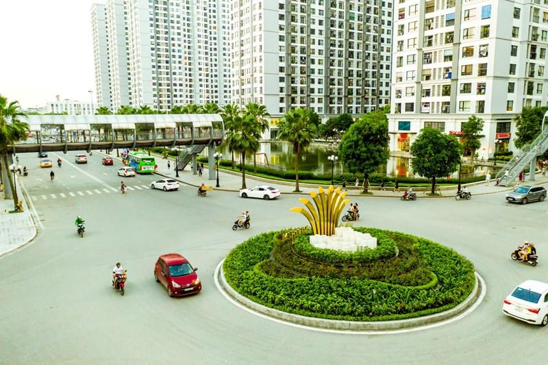 Times City có địa chỉ hành chính tại số nhà 458 phố Minh Khai (phườngVĩnh Tuy, quậnHai Bà Trưng) và số 25 ngõ 13 đường Lĩnh Nam (phườngMai Động, quậnHoàng Mai), thuộc về nhà máy dệt 8/3 vàHanosimex.