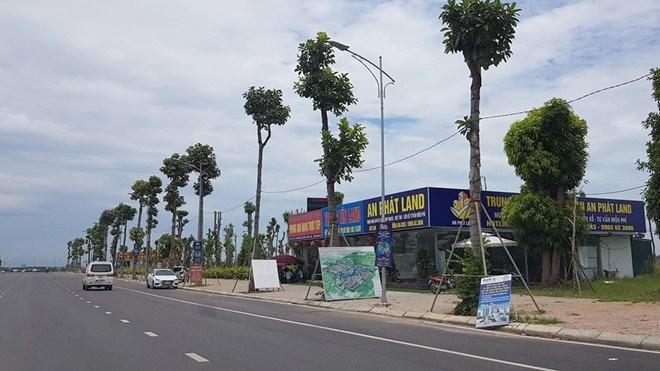 Khách mới đến tìm hiểu đầu tư tại dự án khu đô thị Thanh Hà Cienco5 thưa vắng hơn so với trước khi ông Lê Thanh Thản bị khởi tố Ảnh Lê Quân
