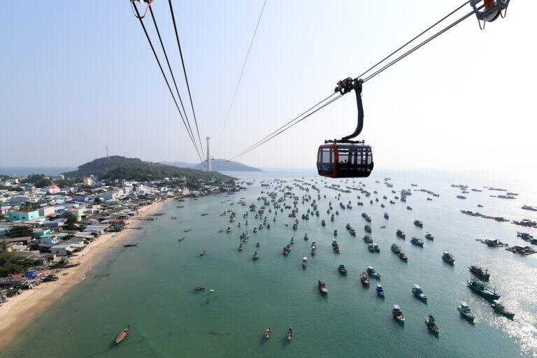 Cáp treo Hòn Thơm của Sun Group- cáp treo vượt biển dài nhất thế giới.