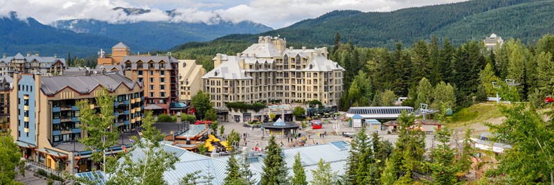 Four Season Resort Whistler tại B.C Canada