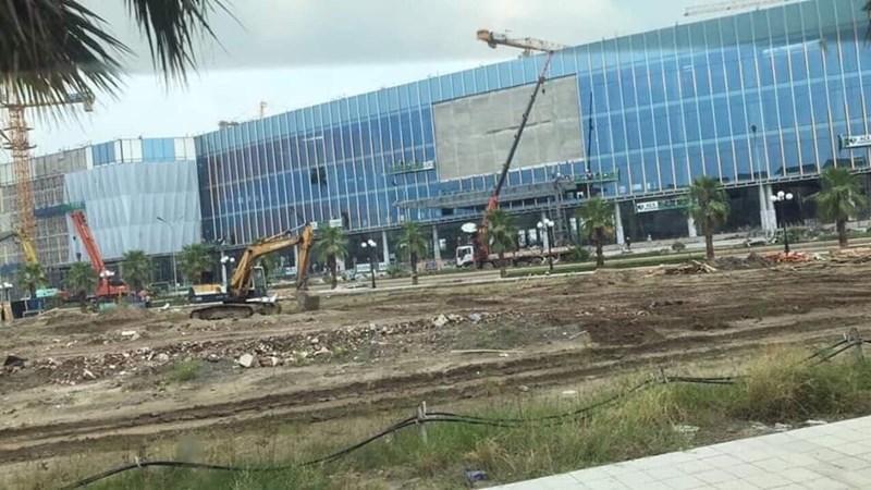 Vincom Mega Mall tại Vinhomes Ocean Park có tổng cộng 56000 m2 sàn thương mại dịch vụ, hiện cơ bản đã hoàn thiện phần thô.