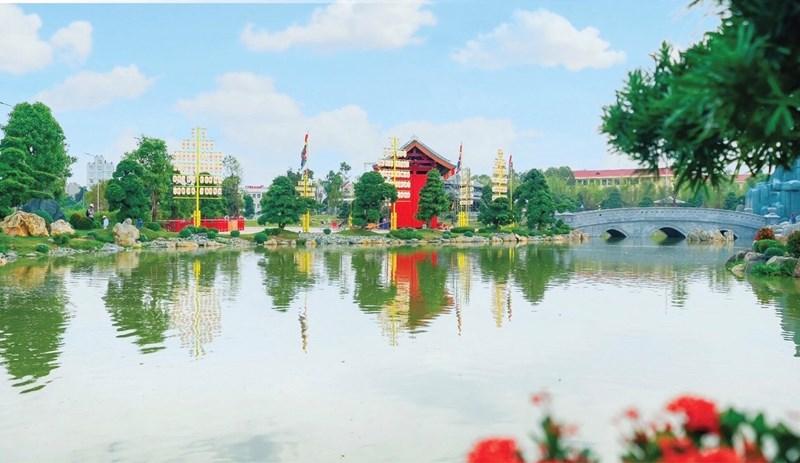 """Ảnh chụp 1 góc của Vườn Nhật tại Vinhomes Smart city, cảnh đẹp """"non nước"""" hiếm có khó tìm giữa chốn thành thị."""