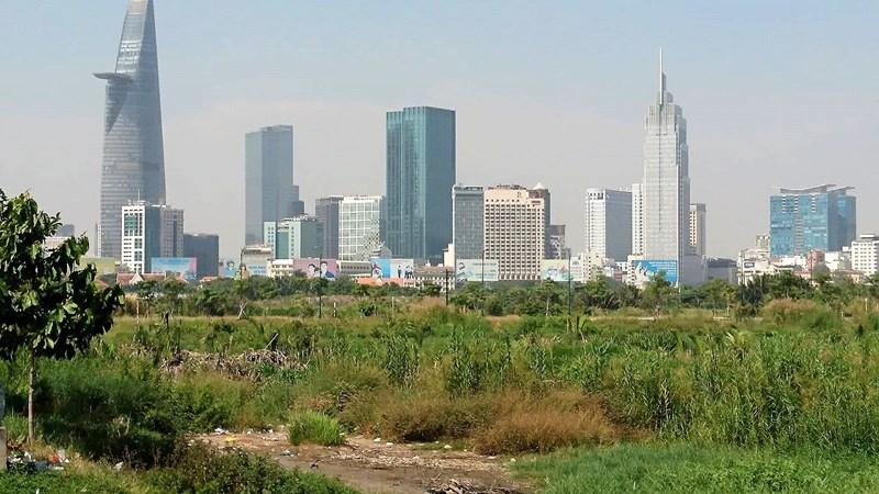 Năm 2015, đất ở tại đô thị TP.HCM là 19.631 ha. Năm 2020, đất ở tại đô thị sẽ tăng lên 24.060 ha.