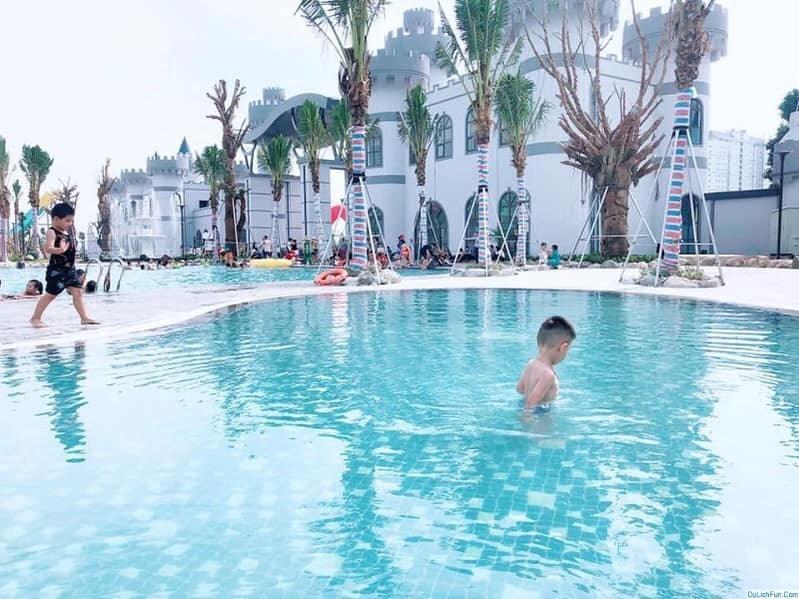 Bể bơi tại công tại công viên nước Thanh Hà nơi chỉ trong vòng 3 tháng (từ tháng 6 đến tháng 9/2019), đã xảy ra 2 vụ đuối nước khiến 2 bé trai thiệt mạng.