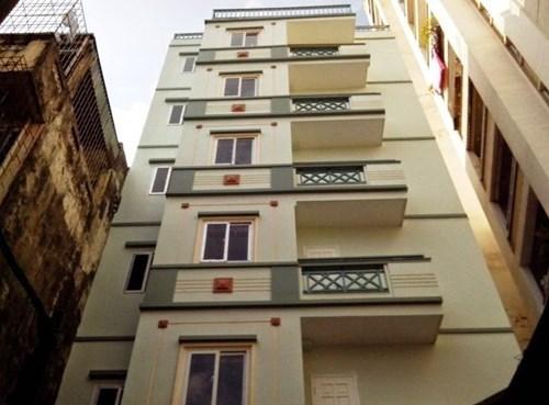 Dù được cảnh báo rất nhiều về tính pháp lý của chung cư mini, nhưng người mua đa phần có thu nhập thấp vẫn chấp nhận...