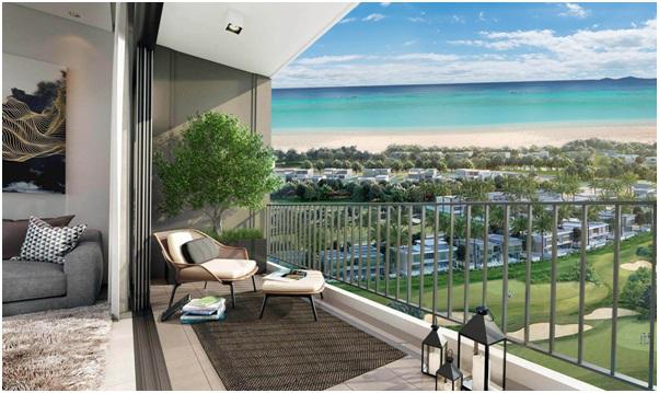 View sân Golf và bãi biển của căn hộ thuộc dự án.