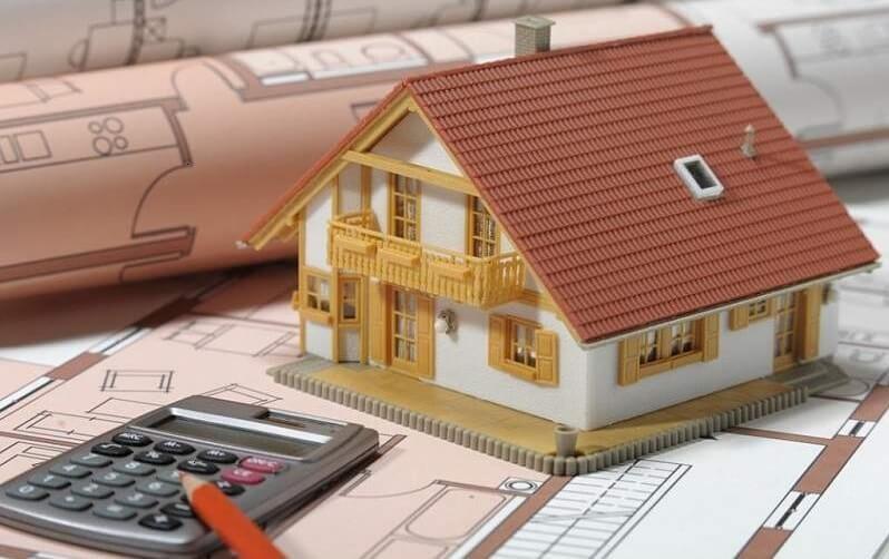 Bài toán vay ngân hàng tiền để trả góp nhà thực sự khiến nhiều hộ gia đình băn khoăn.