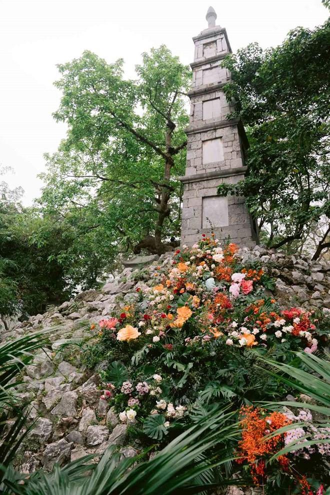 Hơn 100 cột đèn nở hoa giữa trung tâm Hà Nội - Ảnh 5