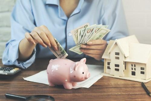 Để có nhà năm 35 tuổi, số tiền tiết kiệm mỗi tháng phải tăng dần trong thời gian 17 năm.