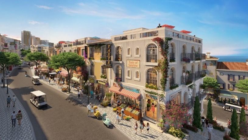 """364 căn shophouse The Center đón trọn dòng khách khổng lồ trải nghiệm """"thị trấn Địa Trung Hải"""""""