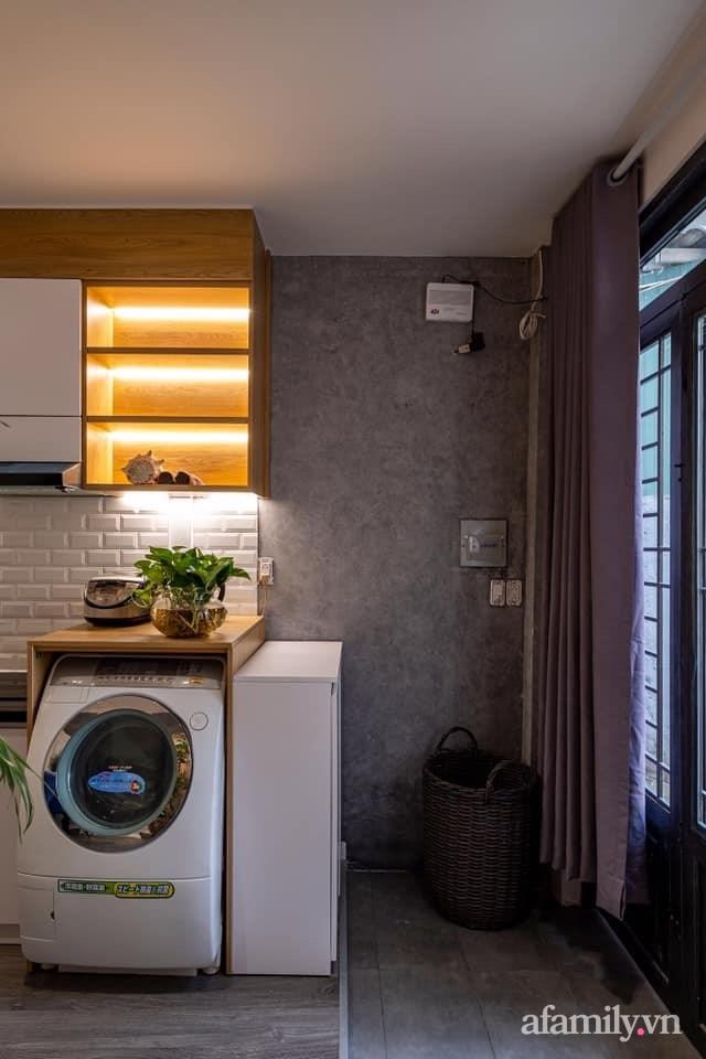 Khó tin: Ngôi nhà chỉ 17m² nhưng đầy đủ chức năng, đẹp ấn tượng dành cho vợ chồng trẻ ở Sài Gòn - Ảnh 4