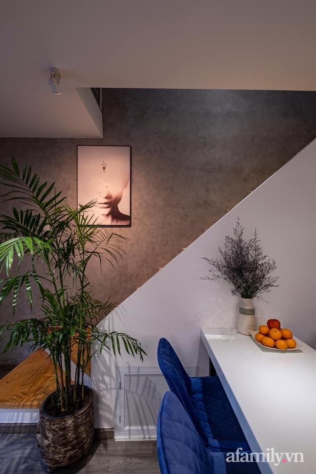 Khó tin: Ngôi nhà chỉ 17m² nhưng đầy đủ chức năng, đẹp ấn tượng dành cho vợ chồng trẻ ở Sài Gòn - Ảnh 2